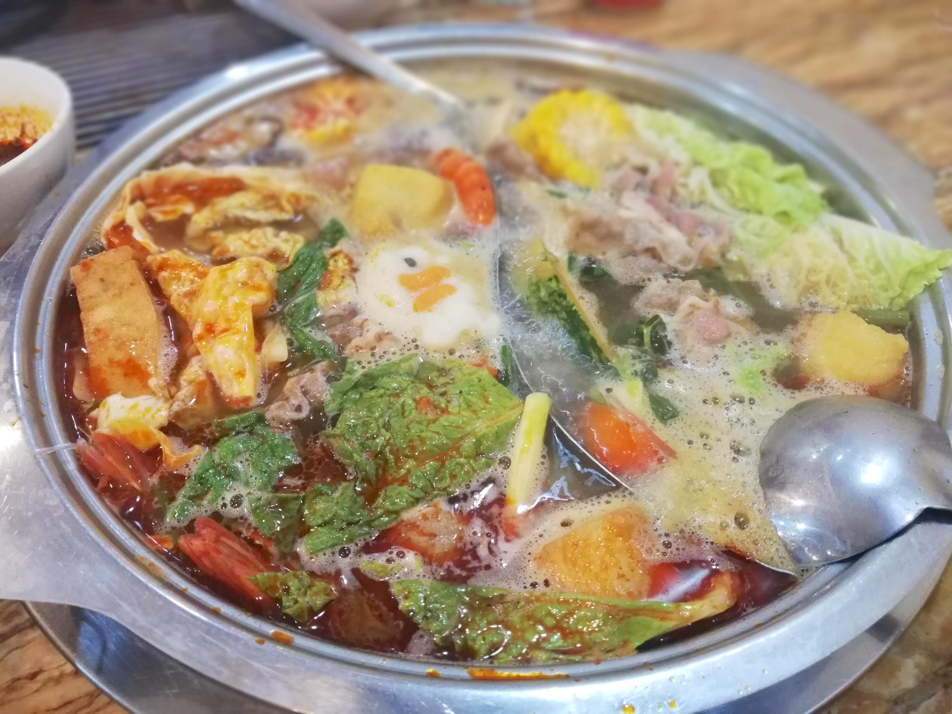 セブ市内にある「台湾しゃぶしゃぶ」が至高っ!喰らえ野菜!【火鍋】