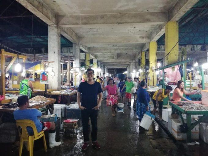 セブ、パシル市場内