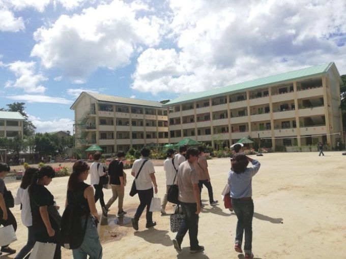 日本語パートナーズ、ブアノイ高校、校庭