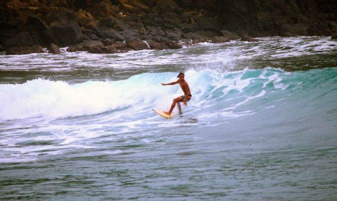 フィリピンサーフィン、ザンバレス
