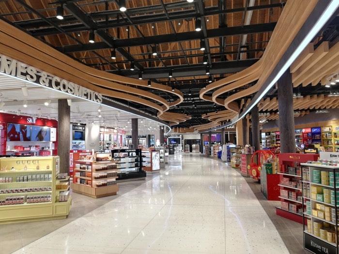 マクタン空港新ターミナル:免税エリア