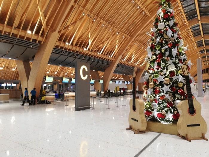 マクタン空港新ターミナル:搭乗カウンター