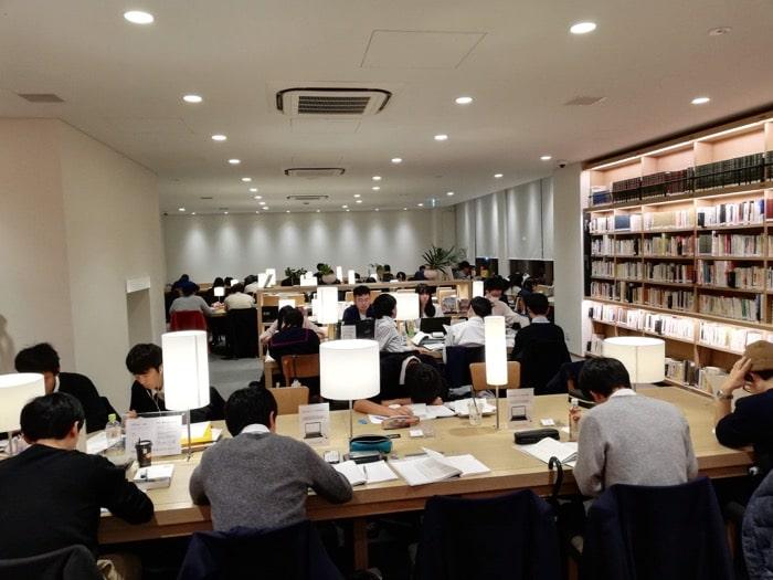 海老名ツタヤ図書館:3F学習室など