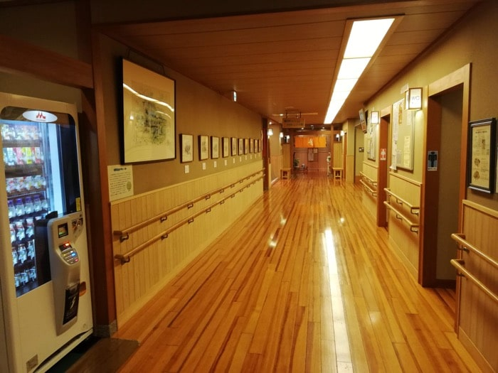 弘法の里湯:廊下