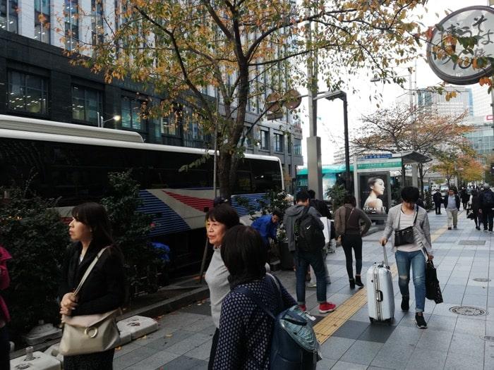 成田空港〜東京駅900円バス、八重洲到着