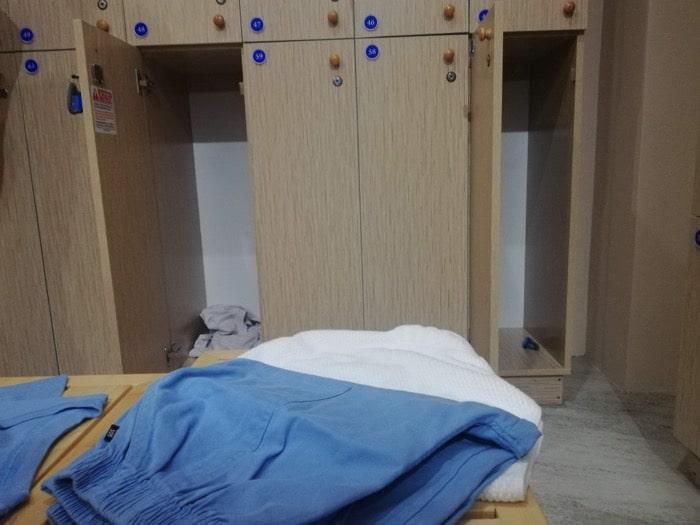 グランドスパ:脱衣所ロッカー